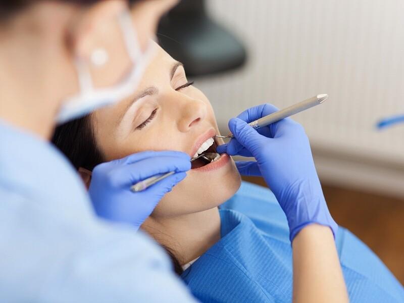 Лікування зубів уві сні (під наркозом), фото