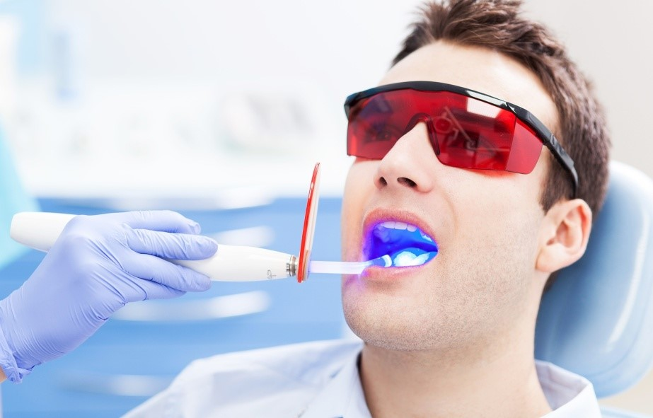 Лікування зубів лазером, фото
